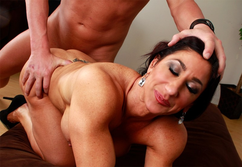 Kinky milf seduces a younger man